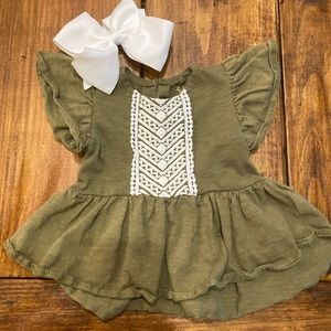 Shirt and Bow